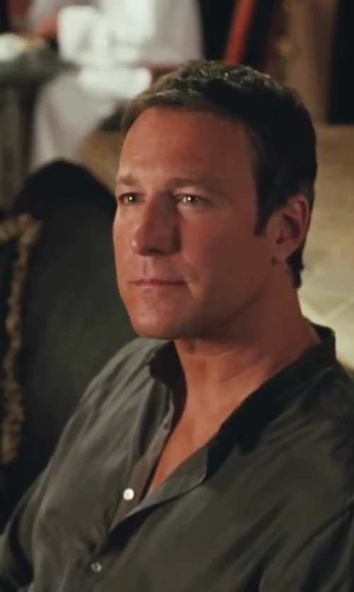 John Corbett with Minimal Mandarin Collar Shirt in Sex and the City 2