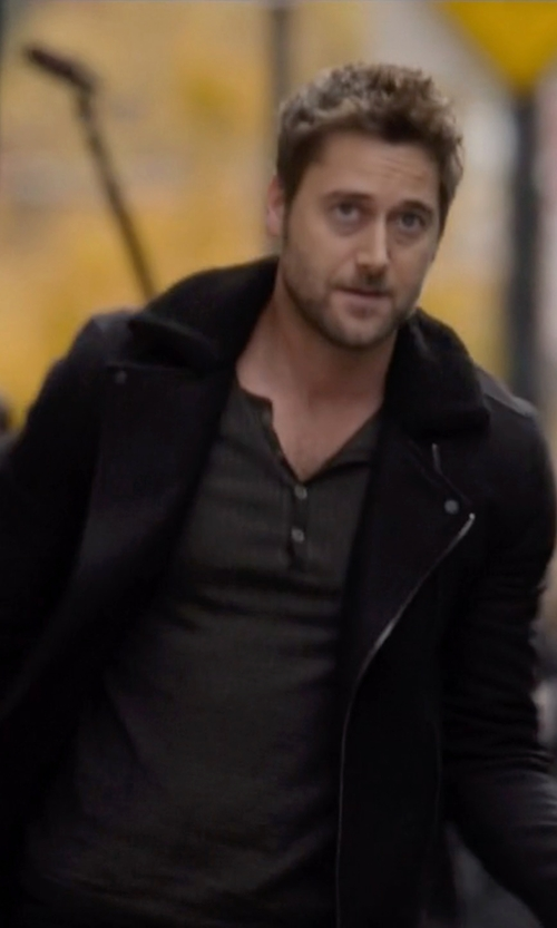 Ryan Eggold with Vince Mouton Cashmere-Blend Peacoat in The Blacklist