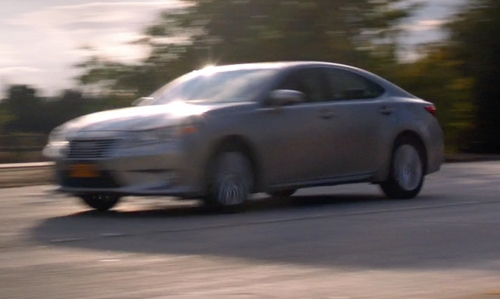 Chris Messina with Lexus ES 350 Sedan in The Mindy Project