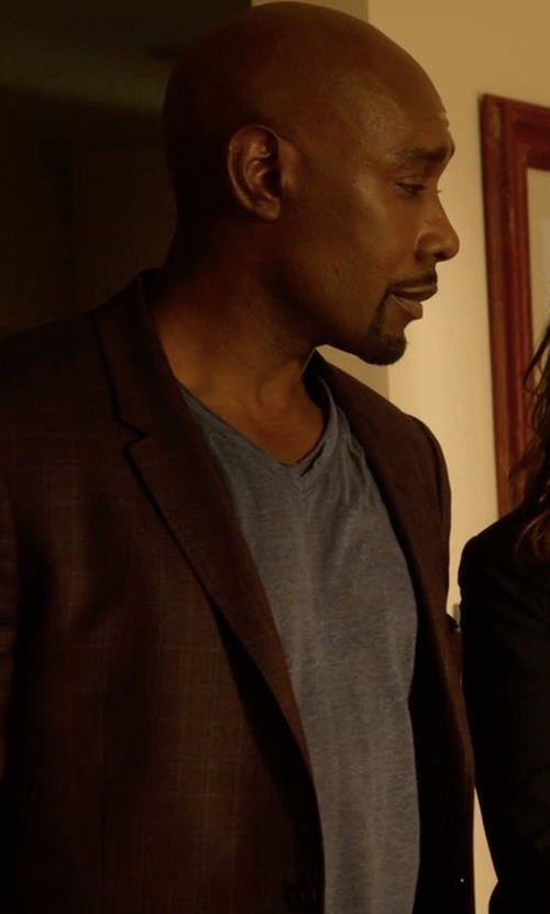 Morris Chestnut with Vince Slub Jersey V-Neck T-Shirt in Rosewood