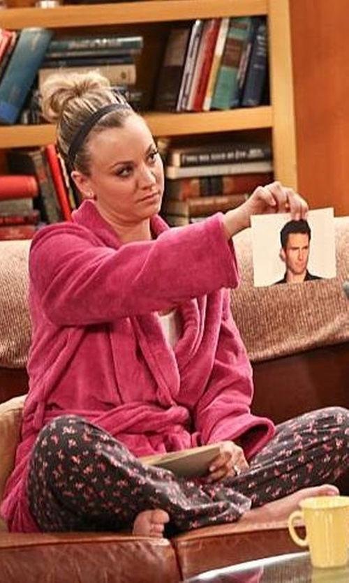 Kaley Cuoco-Sweeting with Turkish Cotton Terry Robe in The Big Bang Theory