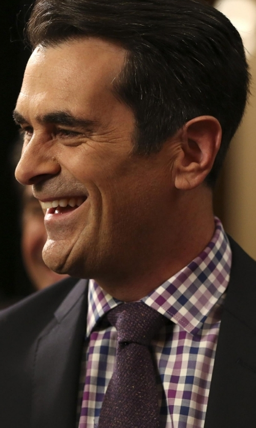 Ty Burrell with Bar III Textured Gingham Dress Shirt in Modern Family