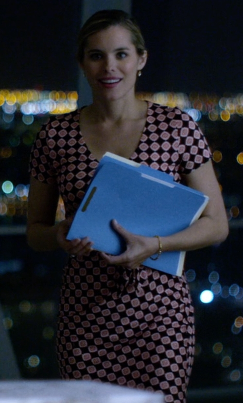 Susie Abromeit with Diane Von Furstenberg Short-Sleeve Printed Tie Dress in Jessica Jones
