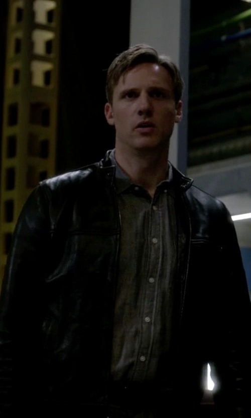 Teddy Sears with Andrew Marc Luxe Leather Moto Jacket in The Flash