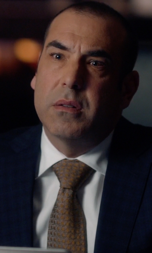 Rick Hoffman with Armani Collezioni Modern Fit Poplin Dress Shirt in Suits