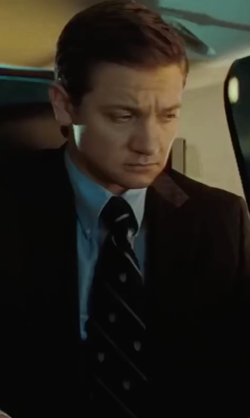 Jeremy Renner with Versace Diagonal Striped Silk Tie in Mission: Impossible - Ghost Protocol