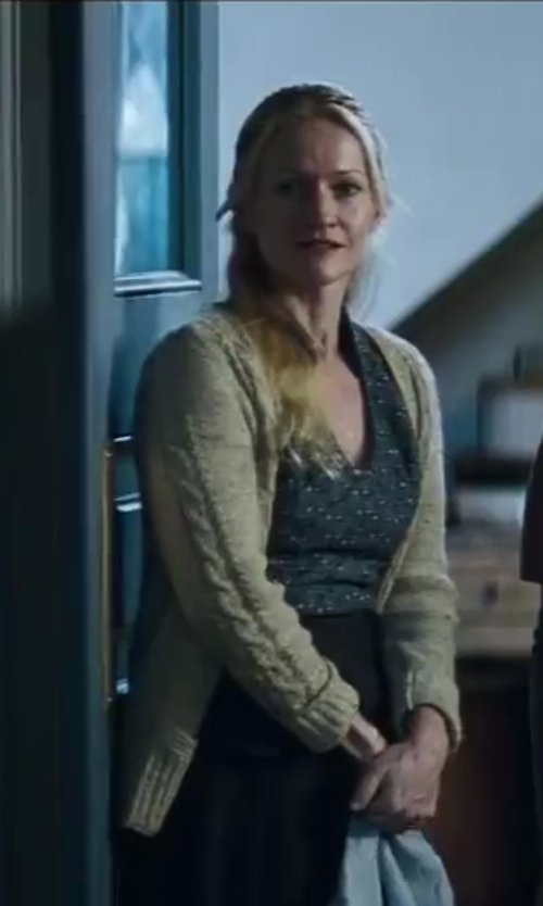 Paula Malcomson with Pendleton Stitched Cardigan in The Hunger Games: Catching Fire
