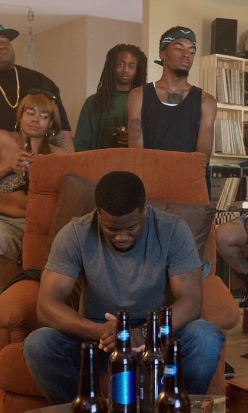 Kevin Hart with Wildon Home Arm Chair in Get Hard