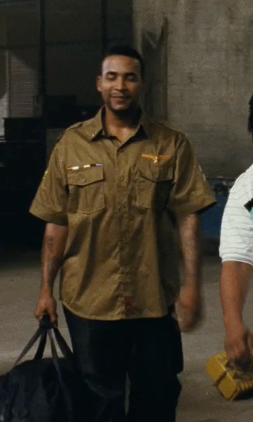 Don Omar with Carhartt Short Sleeve Shirt Lightweight Button Shirt in Fast Five