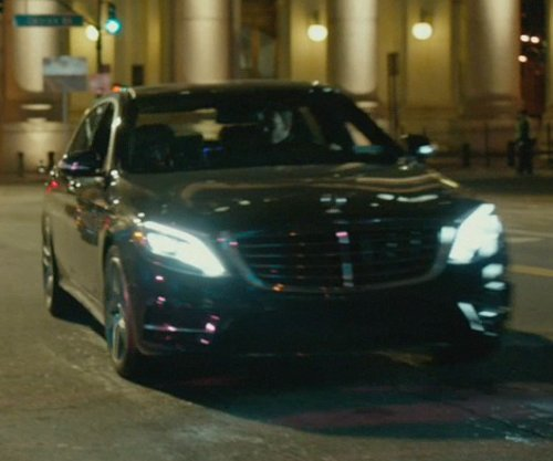 Alfie Allen with Mercedes-Benz 2014 S550 Sedan Car in John Wick