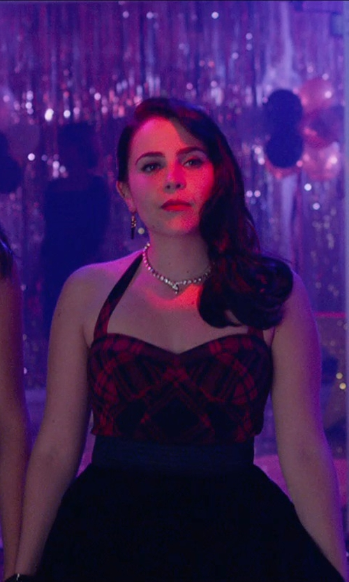 Mae Whitman with Vince Camuto Spike Lever Back Drop Earrings in The DUFF