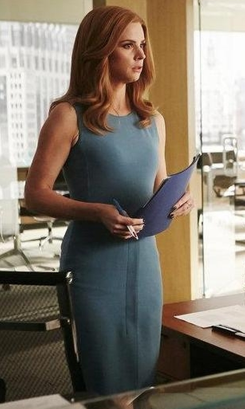 Sarah Rafferty with Max Mara Bartolo Dress in Suits