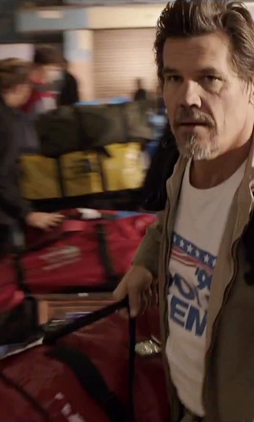 Josh Brolin with The North Face Base Camp Duffel Bag in Everest