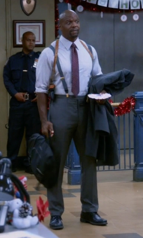 Terry Crews with Kenneth Cole Reaction Best O Bunch Oxford Shoes in Brooklyn Nine-Nine