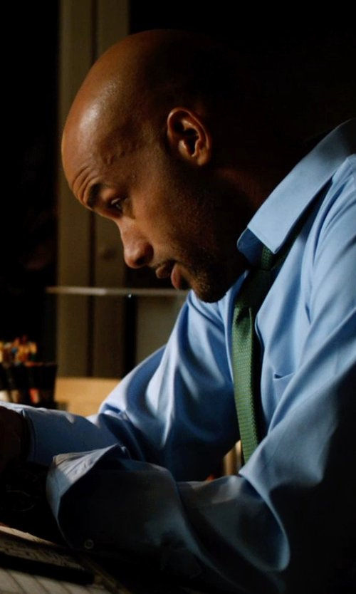 Boris Kodjoe with The Perfect Necktie Olive Green Solid Color Tie in Addicted
