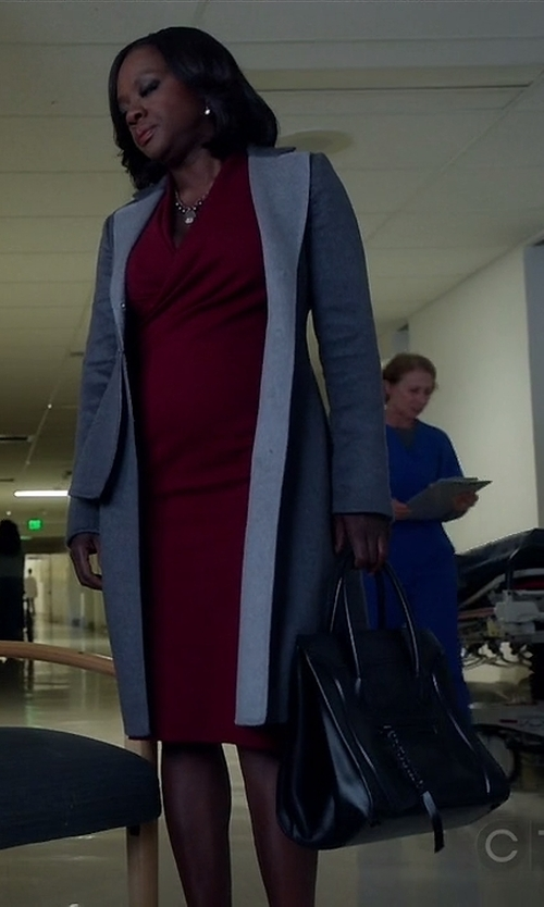 Viola Davis with Tod's Medium 'Cape' Tote Bag in How To Get Away With Murder