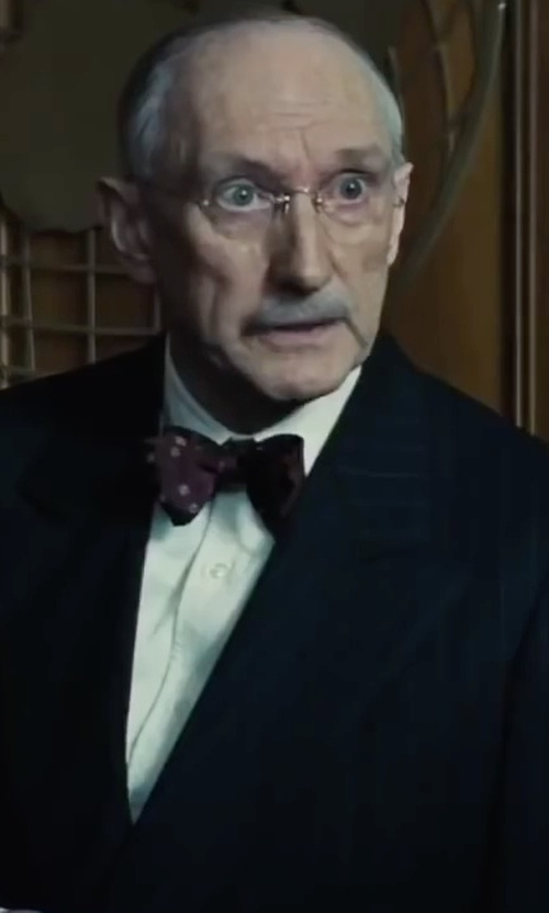 Peter McRobbie with Theory Sylvain Solid Dress Shirt in Bridge of Spies