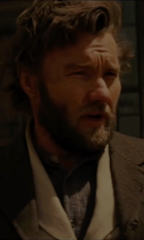 Joel Edgerton with Jones New York Side Vent Corey Sport Coat in Jane Got A Gun