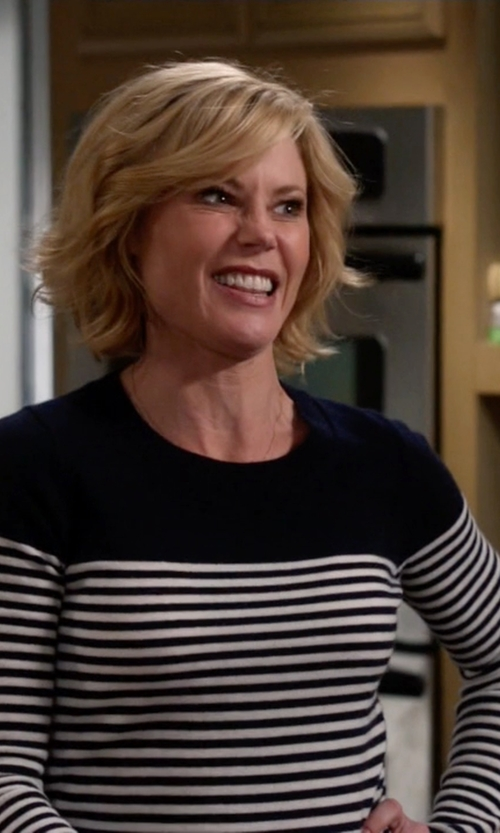 Julie Bowen with J.Crew Collection Cashmere Long Sleeve T Shirt In Stripe in Modern Family