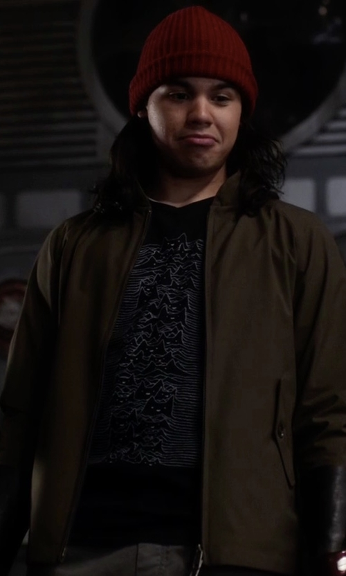 Carlos Valdes with Threadless Furr Division Tee Shirt in The Flash