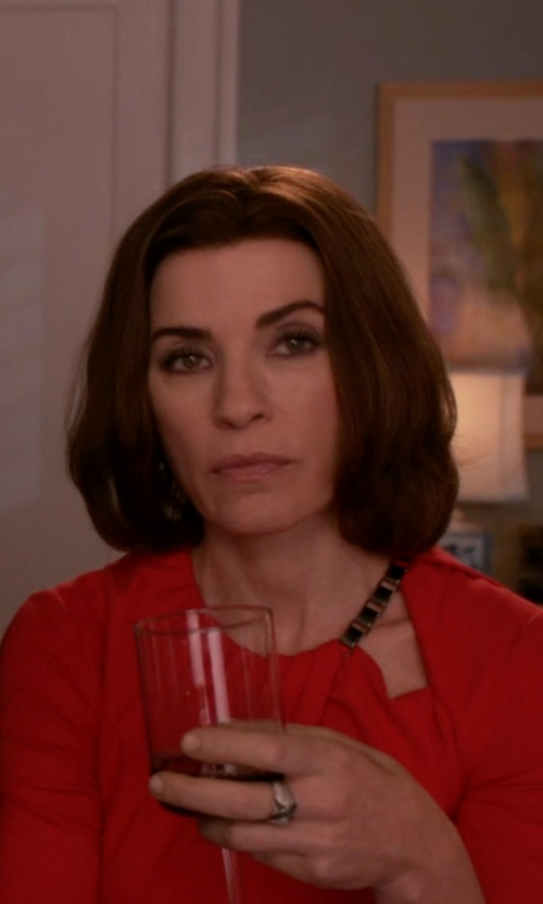Julianna Margulies with John Hardy Lava Band Woven Braided Ring in The Good Wife