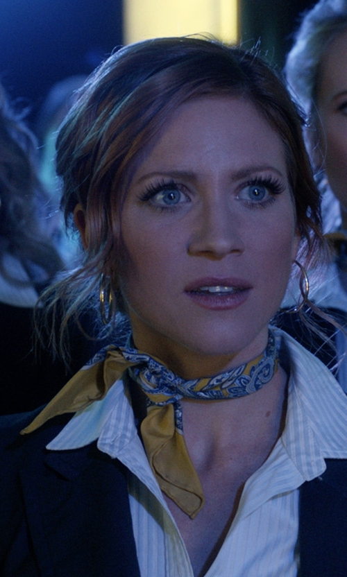 Brittany Snow with Brooks Brothers Custom Made Printed Scarf in Pitch Perfect 3
