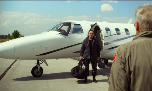 Arnold Schwarzenegger with Cessna Citation CJ1+ in The Expendables 3