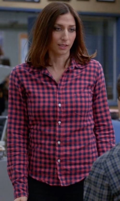 Chelsea Peretti with Frank & Eileen 'Barry' Navy & Pink Check Flannel Shirt in Brooklyn Nine-Nine