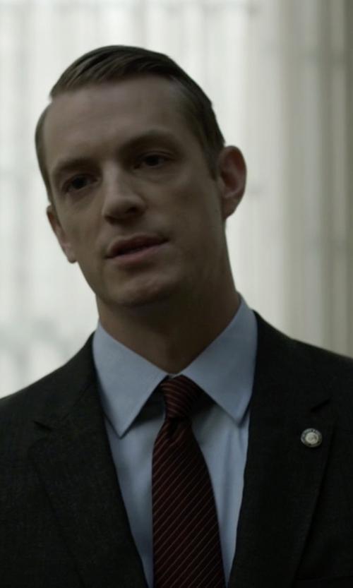 Joel Kinnaman with Giorgio Armani Striped Necktie in House of Cards