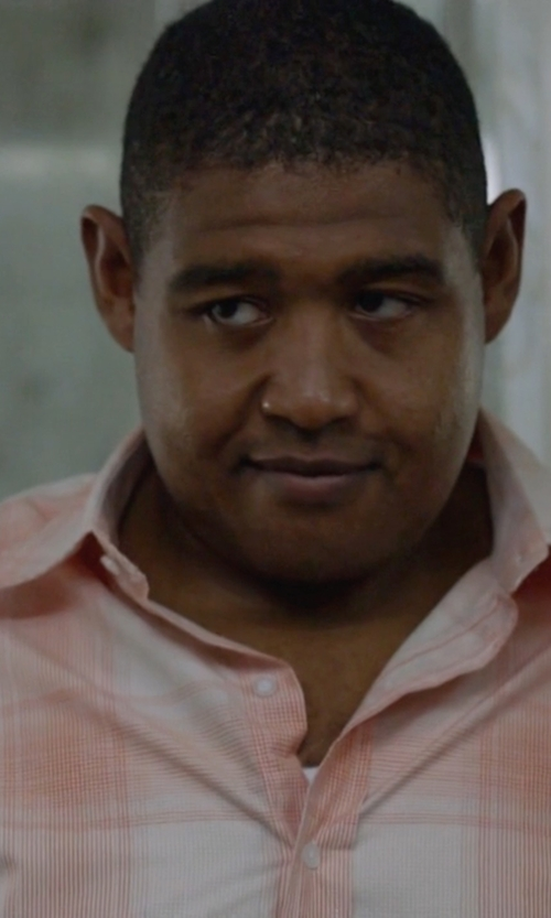 Omar Benson Miller with Brooks Brothers Plaid Short-Sleeve Button-Down Shirt in Ballers