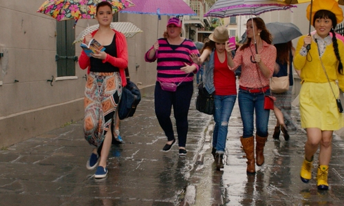Rebel Wilson with Skechers Slip-On Shoes in Pitch Perfect 2