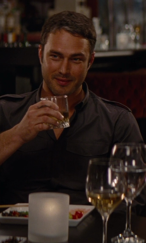 Taylor Kinney with Marquis by Waterford Vintage Double Old-Fashioned Glasses in The Other Woman