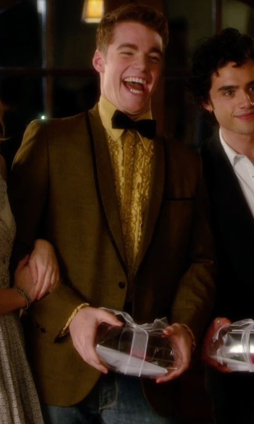 Gabriel Basso with Tommy Hilfiger Vicuna Toffee Corduroy Blazer in Barely Lethal