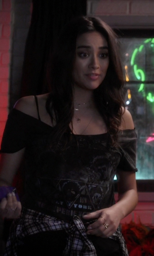 Shay Mitchell with Se7en Deadly Raw Edge Off Shoulder T-Shirt in Pretty Little Liars