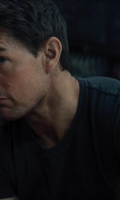 Tom Cruise with JAMES PERSE SHORT SLEEVE CREW NECK in Edge of Tomorrow