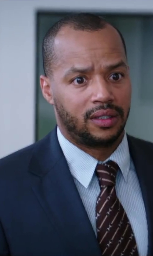 Donald Faison with Aspesi Osvaldo Pique Blazer in Wish I Was Here