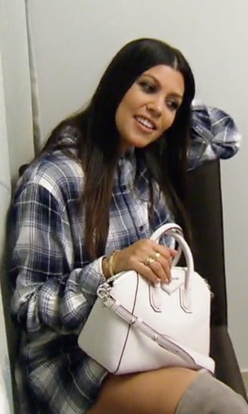 Kourtney Kardashian with Givenchy Small Antigona Bag in Keeping Up With The Kardashians