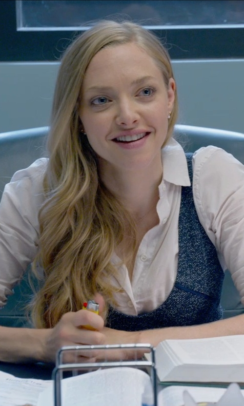 Amanda Seyfried with Burberry London Classic Shirt in Ted 2