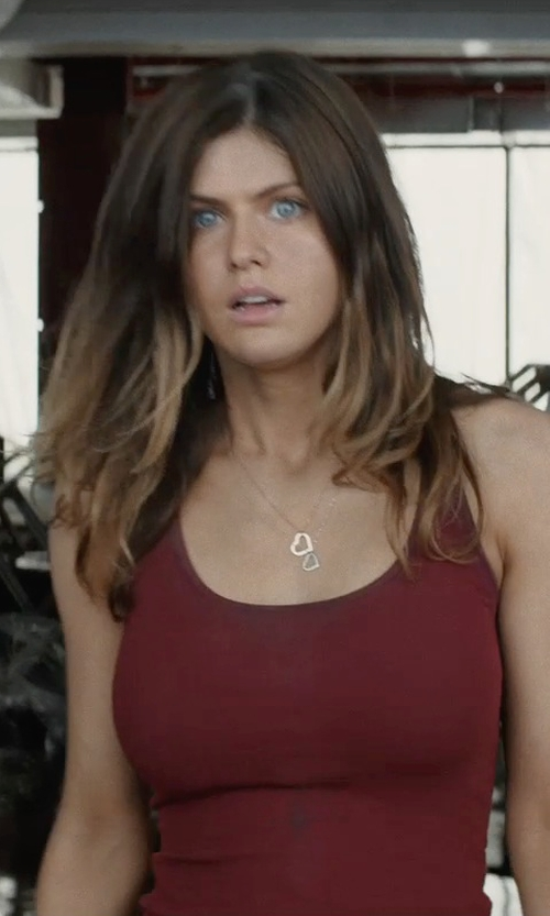 Alexandra Daddario with Tifffany & Co. Elsa Peretti Open Heart Pendant Necklace in San Andreas