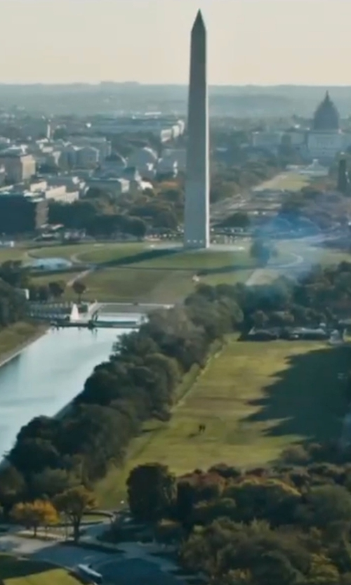 Unknown Actor with Washington Monument Washington, DC in Jack Reacher: Never Go Back