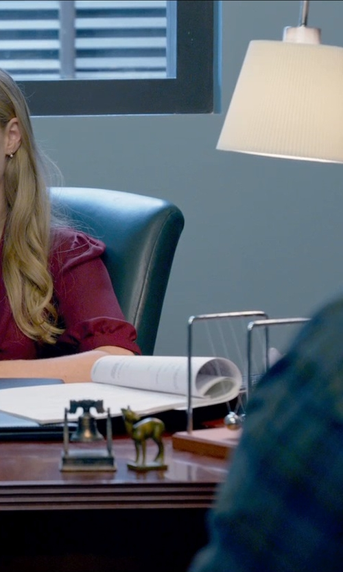 Amanda Seyfried with Artemide Tolomeo Table Lamp with Shade in Ted 2