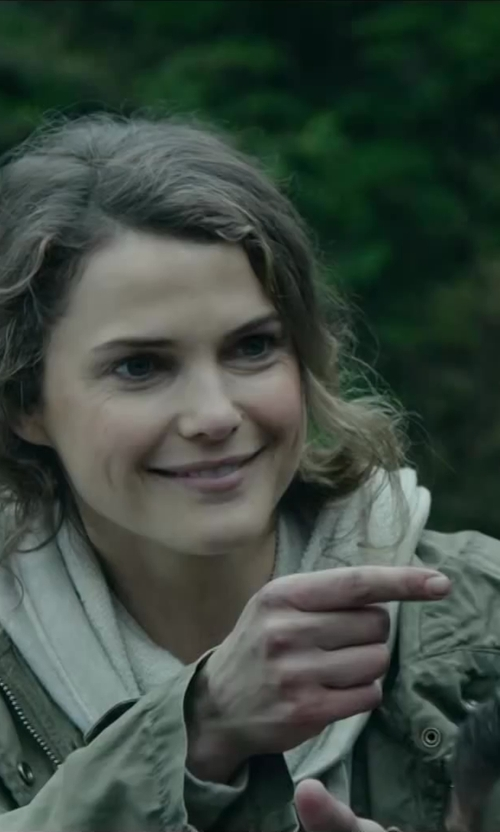 Keri Russell with COVERI COLLECTION Fringed Solid Wool And Cashmere Pashmina in Dawn of the Planet of the Apes