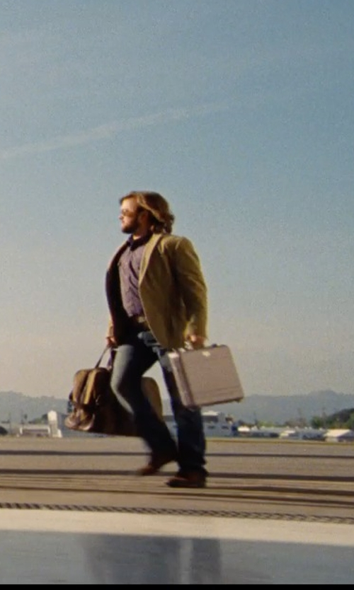 Haley Joel Osment with Zero Halliburton Geo Aluminum Large Laptop Case in Entourage