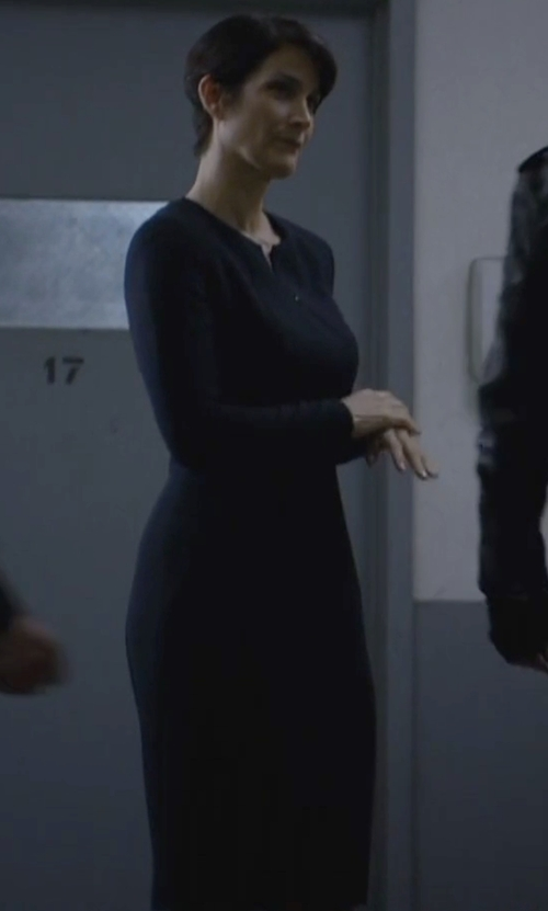 Carrie-Anne Moss with 10 Crosby by Derek Lam Long Sleeve Ruched Dress in Jessica Jones