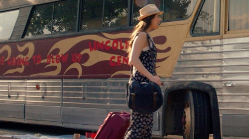 Hailee Steinfeld with Deluth Pack Standard Book Bag in Pitch Perfect 2