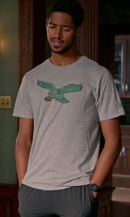 Alfred Enoch with Nike Philadelphia Eagles Historic Logo T-Shirt in How To Get Away With Murder