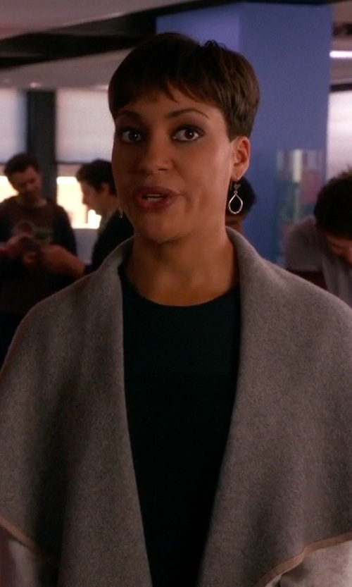 Cush Jumbo with Autumn Cashmere Cashmere Contrast-Piped Draped Cardigan in The Good Wife