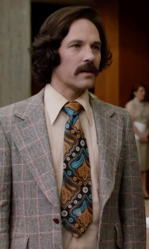 Paul Rudd with Dapper World Yellow Gold Blue Floral Stripe Silk Tie in Anchorman 2: The Legend Continues