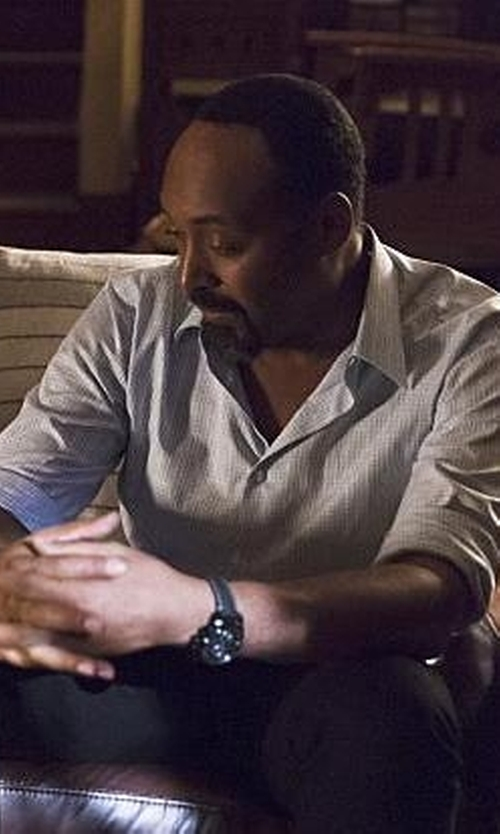 Jesse L. Martin with Thom Browne Button-Down Collar Cotton Oxford Shirt in The Flash