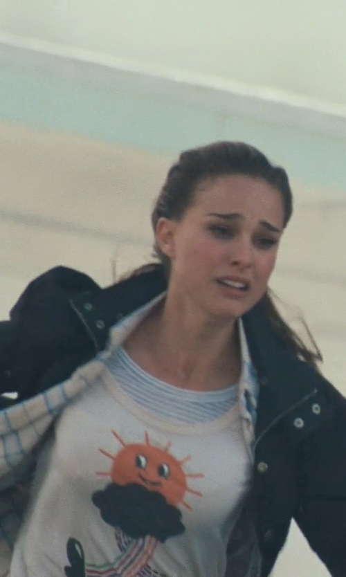 Natalie Portman with Marc By Marc Jacobs Wandering Sun Cotton T-Shirt in Thor